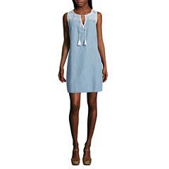 Spense Sleeveless Embroidered Shift Dress