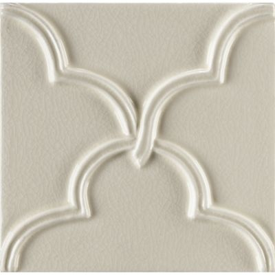 "4"" x 4"" clover decorative tile in cream crackle"