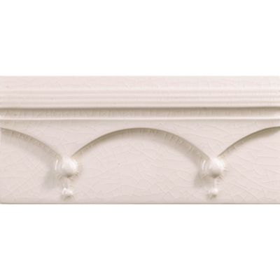 "3-3/4"" x 8"" finial molding in cream crackle"