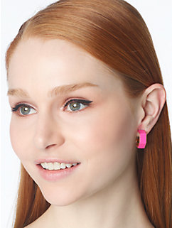 play the angles hexagon post earrings
