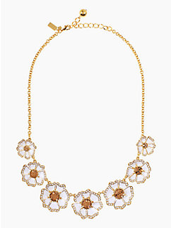 garden grove graduated short necklace