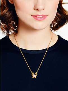 shore thing crab mini pendant by kate spade new york