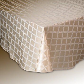 LENOX tablecloths  - Laurel Leaf Ivory Oblong Tablecloth