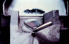 STEP 5: Precision Forging Second Shot – Modified U-grooves are hydraulically forged into the clubface fo roptimal spin rate.