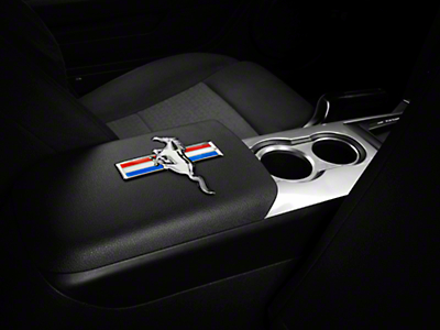 SpeedForm Embossed Tri-Bar Emblem