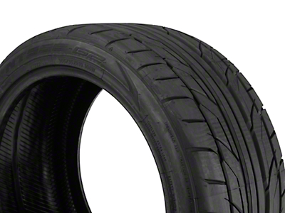 NITTO NT555 G2 Ultra High Performance Tire - 305/35-19 (05-17 All)