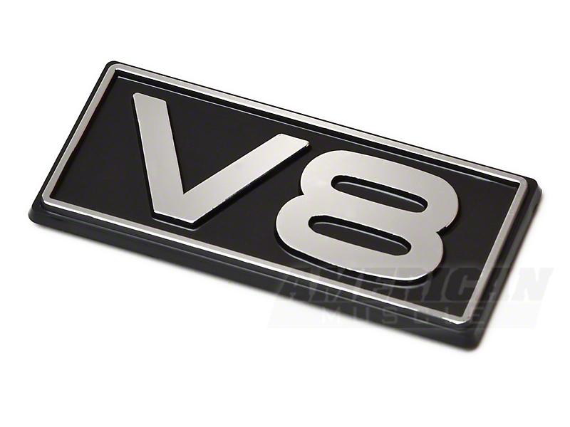 V8 Emblem