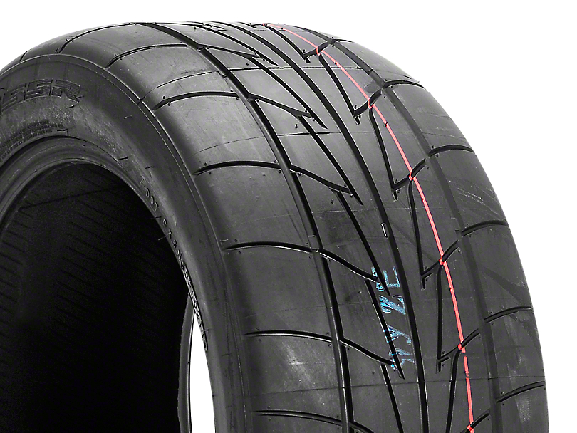 NITTO Extreme Performance NT555R Drag Radial - 305/40R18 (05-14 All)
