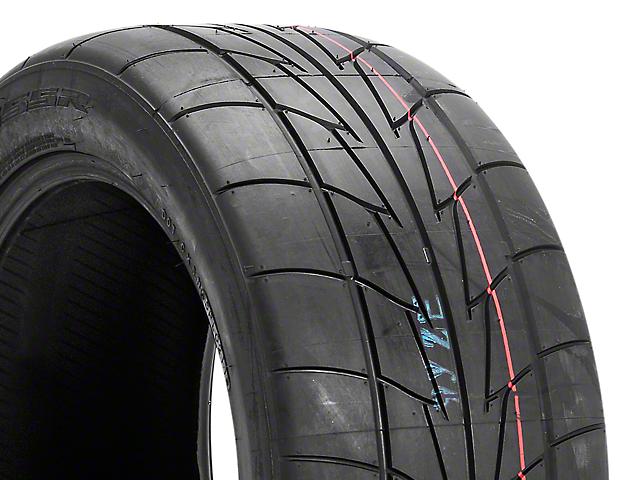 NITTO Extreme Performance NT555R Drag Radial - 245/50R16 (79-04 All)