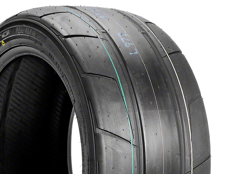 NITTO Extreme Performance NT05R Drag Radial - 285/40R18 (05-14 All)