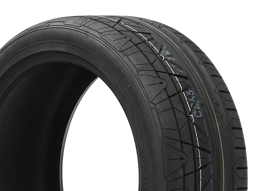 NITTO INVO Ultra-High Performance Tire - 255/40-19 (05-17 All)
