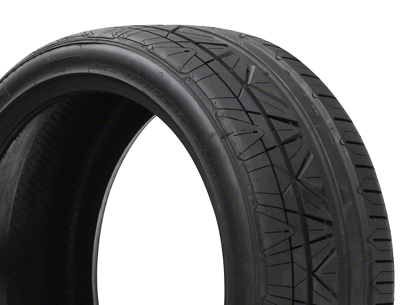 NITTO INVO Ultra-High Performance Tire - 255/35R20 (05-17 All)