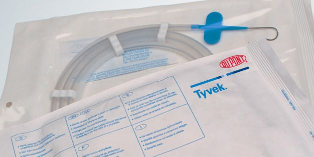 Roll Stock for Packaging Medical Devices | DuPont™ Tyvek® | DuPont USA