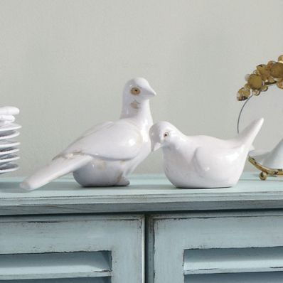 set of 2 doves