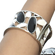 Bangle Black and White