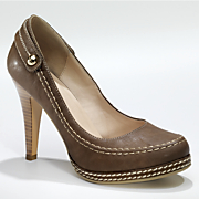 top stitch pump by monroe and main