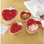 set of 4 strawberry measuring cups
