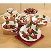 16 Pc Strawberry Dinnerware