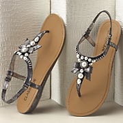 Pearls And Bow Sandal By Classique