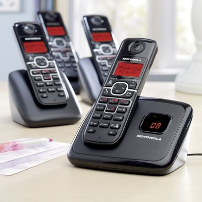 4 handset Cordless Phone Bundle By Motorola