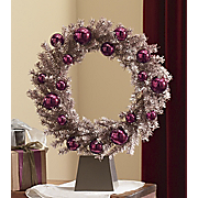 Wreath With Base Kris Kringle