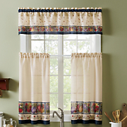 Veggies Tier And Valance Set