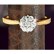 10k Gold Diamond Round cluster Ring z
