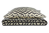 Jacquard Wool Zig-zag Ivory/Charcoal Blanket & Sham