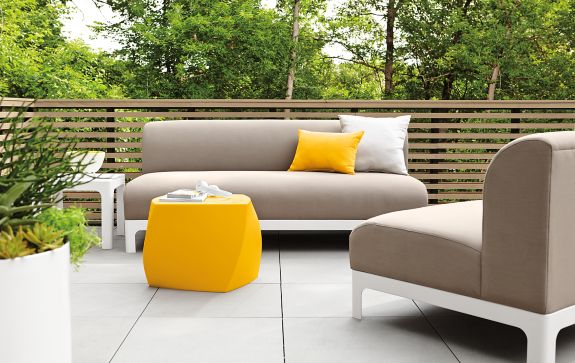 Crescent Sofa and Chair Modern Outdoor Furniture Room