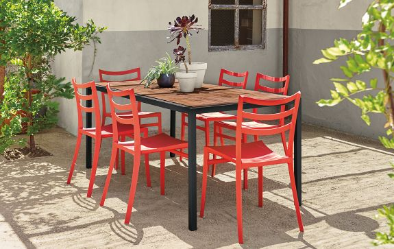 Montego Table with Sabrina Chairs Outdoor Room & Board