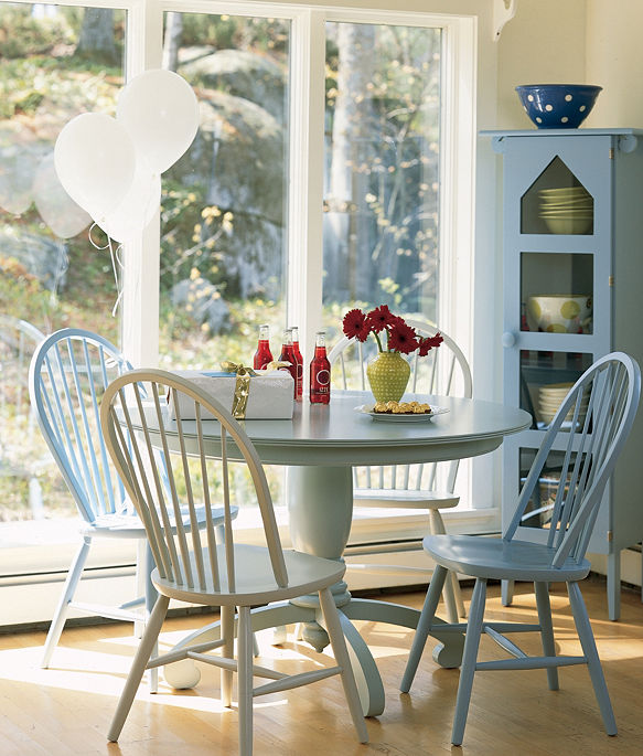Maine Cottage Dining Tables