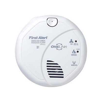 first alert onelink wireless combination smoke carbon monoxide alarm with voice location feature. Black Bedroom Furniture Sets. Home Design Ideas