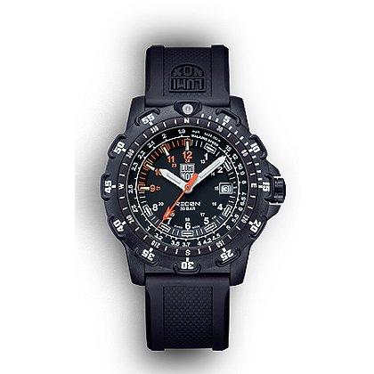 Luminox: 8820 Series Recon Point Man 45mm Watch