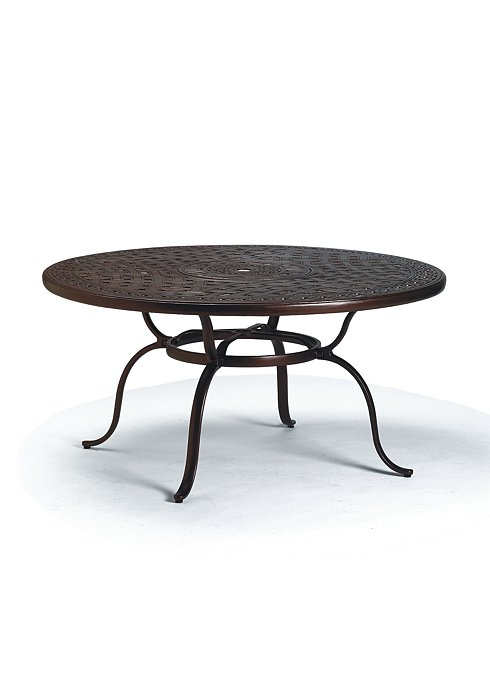 outdoor round dining table