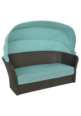 patio woven lounger with shade