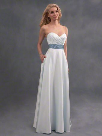 A classic strapless bridesmaid dress with sweetheart neckline, color mix waistband, and long A-line skirt with pockets.
