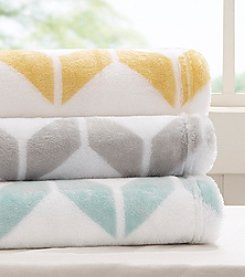 Intelligent Design Chevron Plush Brushed Throw