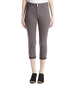 One 5 One® Double Button Cuff Capri Pants