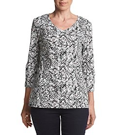 Studio Works® Petites' Printed V Neck Top