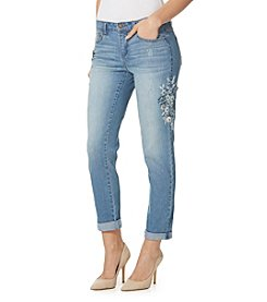 Vintage America Blues™ Gratia Embroidered Bestie Jeans