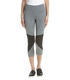 Jessica Simpson - The Warmup Mesh Insert Capri Leggings