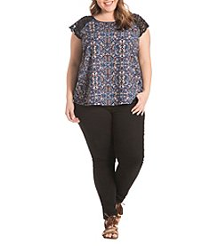 Eyeshadow® Plus Size Crocket Lace Short Sleeves Printed Top