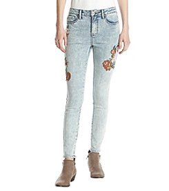 Hippie Laundry Embroidered Ankle Jeans