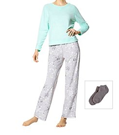 HUE 3 Piece Fleece Snowflake Pajama Set With Socks