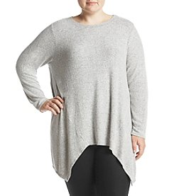 Chelsea & Theodore Plus Size Sharkbite Hem Top