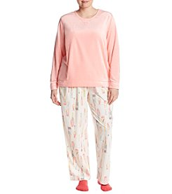 HUE Plus Size Wine Pattern Pajama And Socks Set