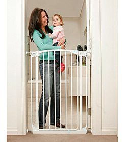 Dreambaby® Chelsea Tall Auto-Close Stay-Open Gate with Extension