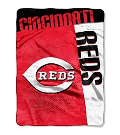 MLB® Cincinnati Reds Strike Raschel Throw