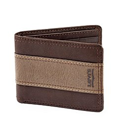 Levi's® Men's Bifold Traveler Wallet
