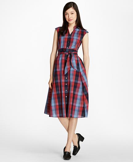 1950s Housewife Dress | 50s Day Dresses Plaid Cotton Shirtdress $114.00 AT vintagedancer.com